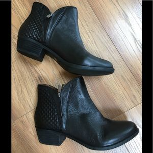 Lucky Brand Black Booties w/Quilted Detail
